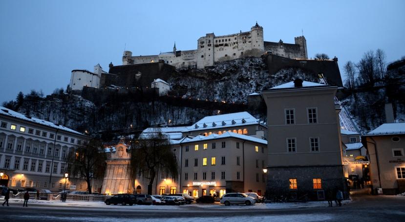 Fortalesa de Hohensalzburg des de la Kapitelplatz