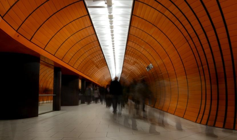 Hora punta en la estación de metro de Marienplatz en Múnich