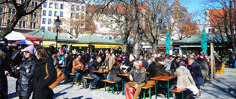 24 de febrer de 2012, primer dia de sol i 'biergarten', a Viktualienmarkt