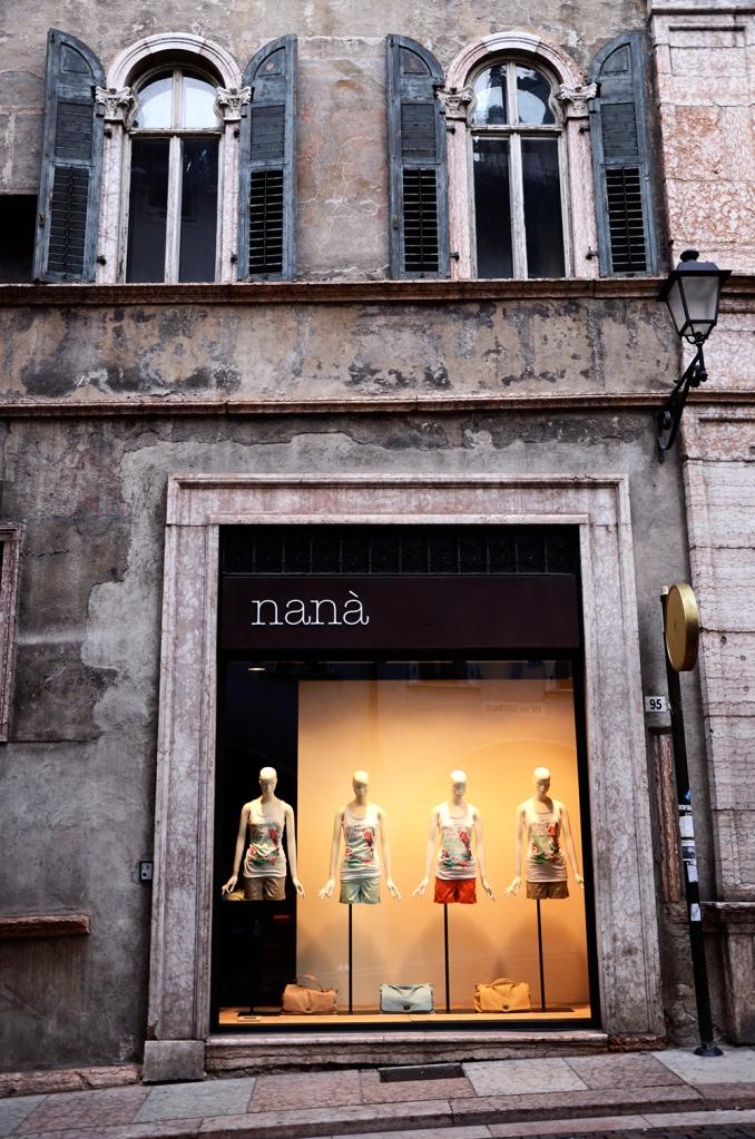 Trento: escaparate de tienda de ropa