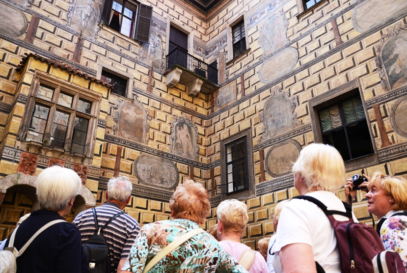 Turistas alemanes en el castillo