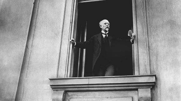 Philipp Scheidemann (SPD) proclama la República el 9 de noviembre de 1918
