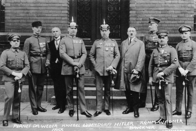 Hitler y otros participantes en el 'Golpe de la Cervecería' de Múnich , en 1923