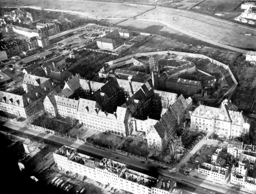 Palau de Justícia al 1945. /ARXIU MUNICIPAL DE NÚREMBERG