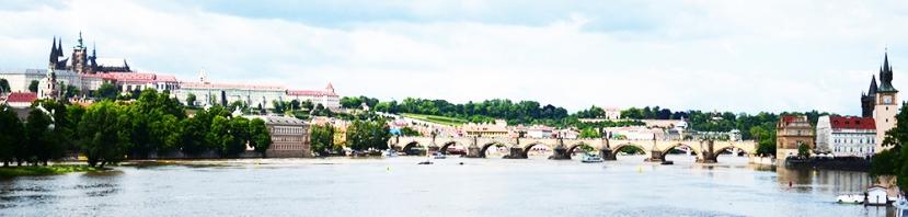 El puente, el río y el castillo