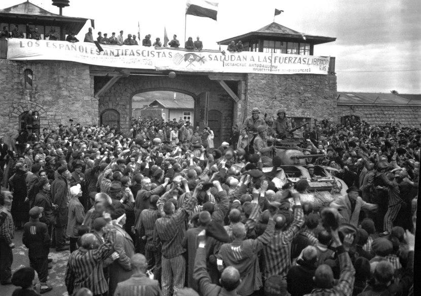 Alliberament de Mauthausen, llegiu la pancarta. /CC