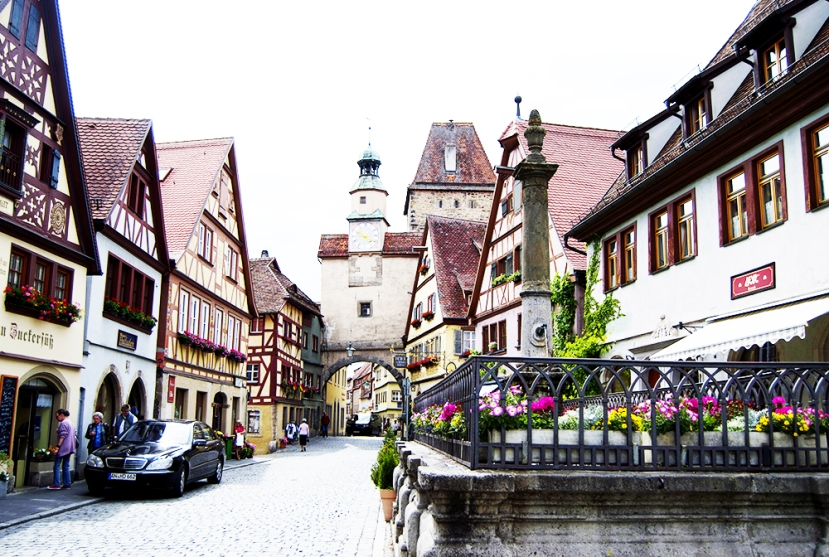 Fuente y arco de Röder