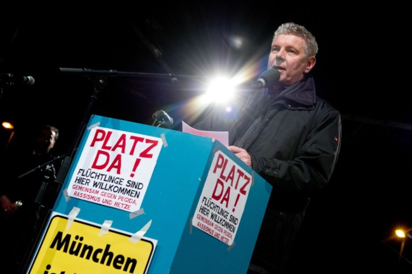 EL 'Oberbürgermeister' Reiter en una protesta contra BAGIDA-PEGIDA. /SZ