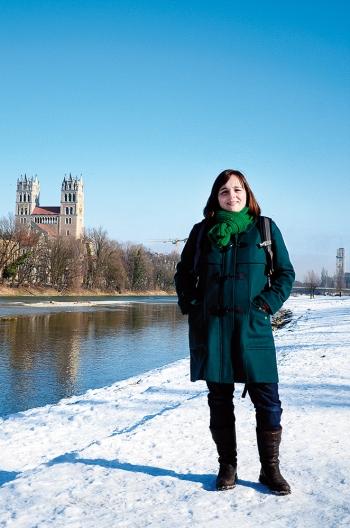 María, un día de invierno junto al río en la zona de Giesing. /MÚNICH, UNA GUÍA QUE NACIÓ MUNIQUEANDO